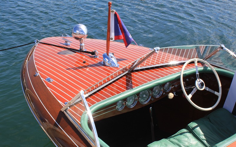 """In The Mood"" 1941 19' Chris Craft Custom retains all of its original sides and deck planking Tom & Susan Parsons Charlevoix, Michigan"