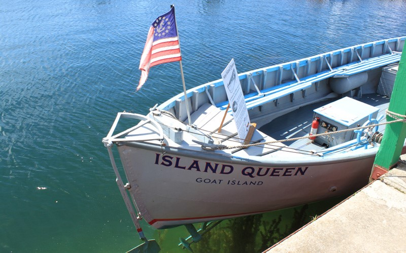 "ACBS Most Original Award a 26' 1919 32hp Kermath inboard the ""Island Queen"" owned by Dupre Brothers Goat Island, Michigan"
