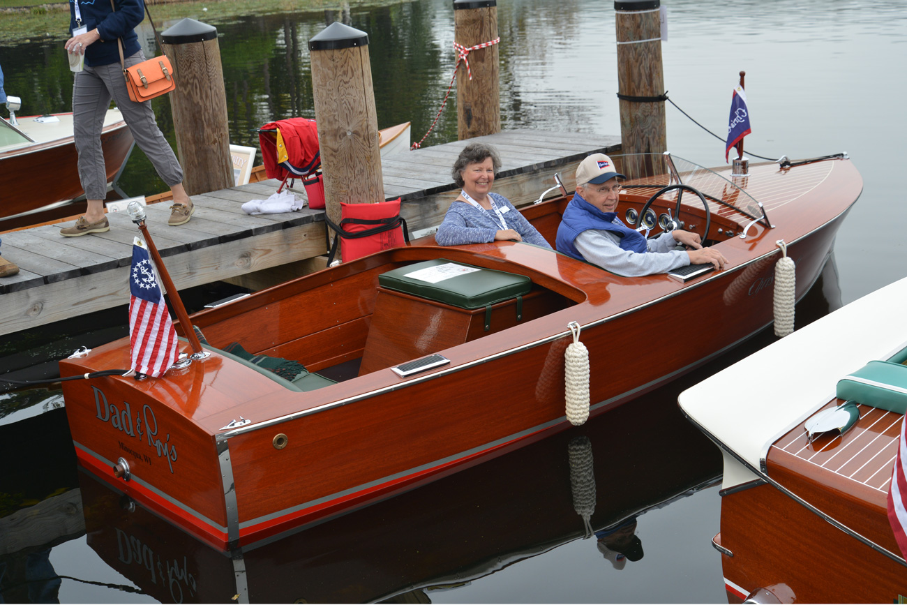 2015 gold restored 1940 antique acbs antique boats for Chris craft boat club
