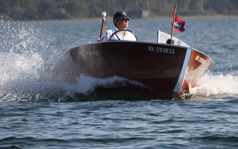 Swinging boaters club
