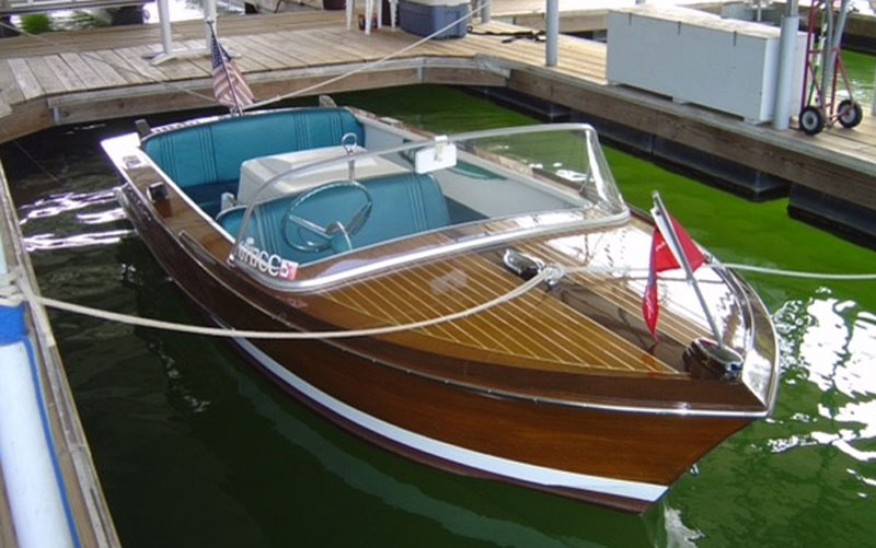 Tuesday tour of vintage boats 1 acbs antique for Chris craft boat club